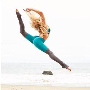 ALO Yoga goddess legging in teal